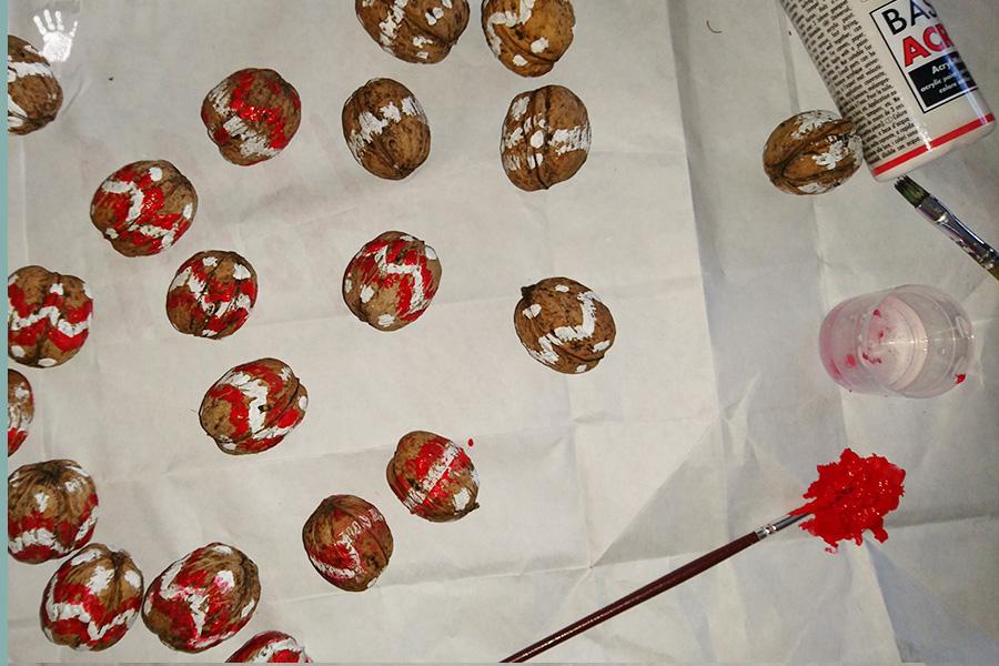 мартеници орехи