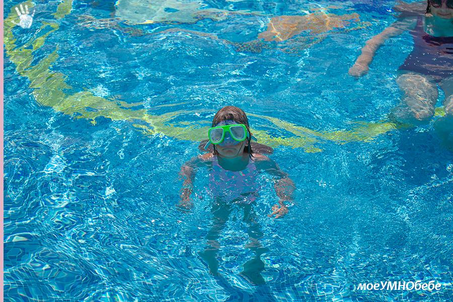 Как дете се научи да плува само